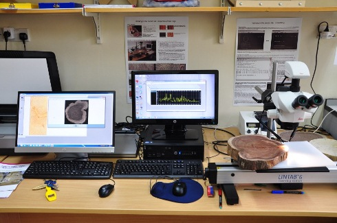 The LintabTM combines with TSAP software for ring width measurement, cross-dating and basic statistics (right) and WinDENDRO attached to a scanner to acquire high resolution picture and  measure ring width, density (left)